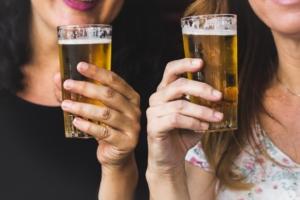 グラスとビール